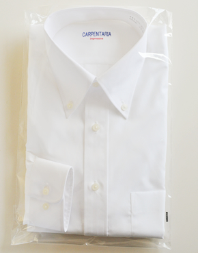 シャツパッケージイメージ ポリ袋、カラーセット以外の輸送後不要なパーツを最小限にしました
